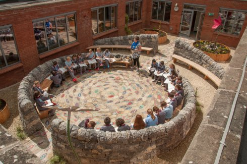 Courtyard-classroom in use